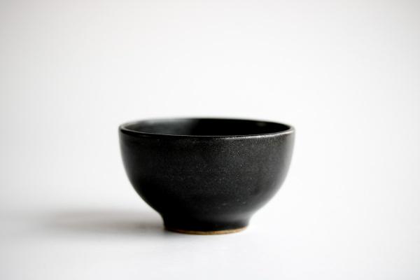 Teeschale 160ml anthrazit/schwarz von Michiko Shida
