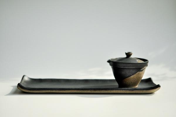 Servierteller/Teetablett 30cm anthrazit/schwarz von Michiko Shida