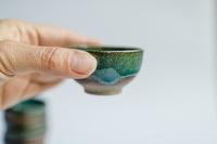 Cup 55ml dunkelgrün von Michiko Shida