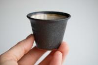Cup 65ml schwarz/creme von Andrzej Bero