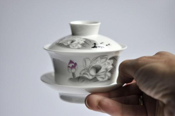 Gaiwan 150ml aus Porzellan Weiß mit grauem Dekor