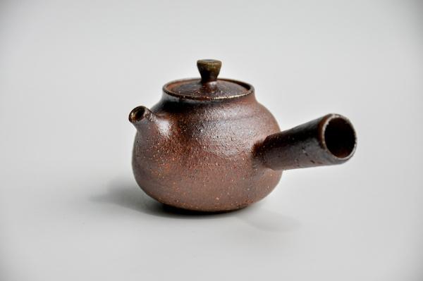 Teekanne 195ml Holzbrand mit Seitengriff von Ales Dancak