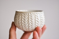 Teeschale cremeweiß mit Relief 170ml von Hanka Vrbicova