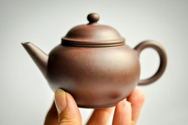 Yixing Zini Teekanne 170ml Zisha-Kanne von Jie Zhao
