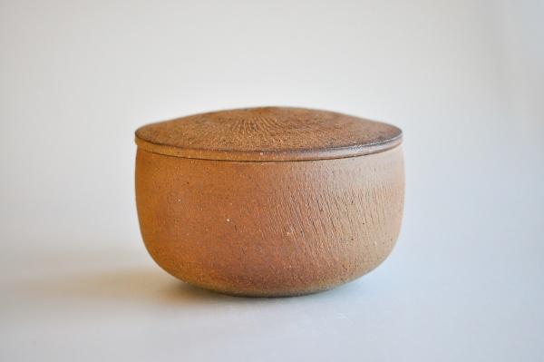 Keramikbehälter 9,5x17,5cm Holzbrand von Ales Dancak - Ideal für 4x200g Teefladen
