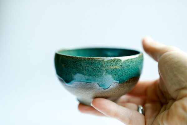 Teeschale 180ml dunkelgrün von Michiko Shida