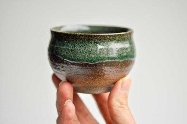 Teeschale rund 140ml dunkelgrün von Michiko Shida
