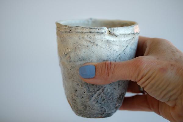 Teebecher Holzbrand creme+grau 260ml von Martin Hanus