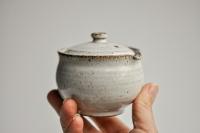 Shiboridashi rund 130ml grau/weiß von Michiko Shida