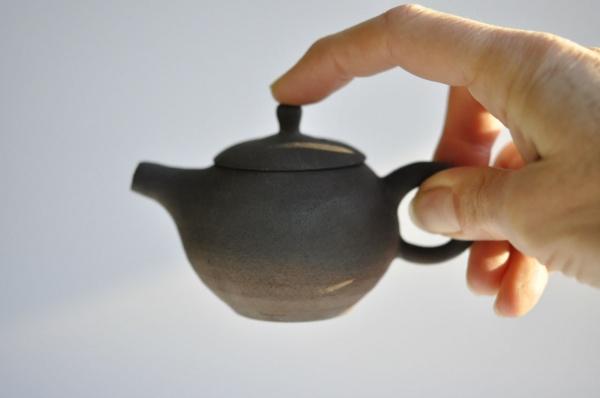 Schwarze Teekanne 90ml Holzbrand Jiri Duchek Nr.JD19