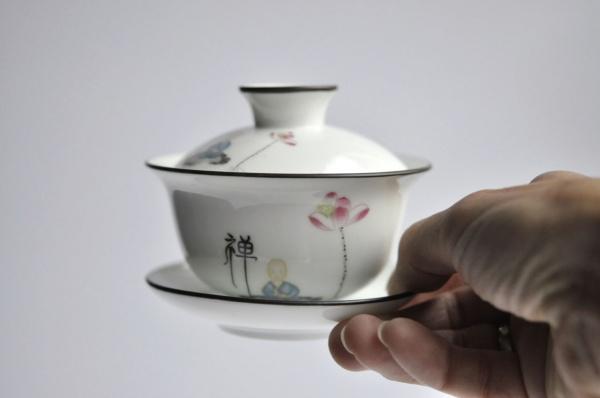 Gaiwan 150ml aus Porzellan Weiß mit Mönch