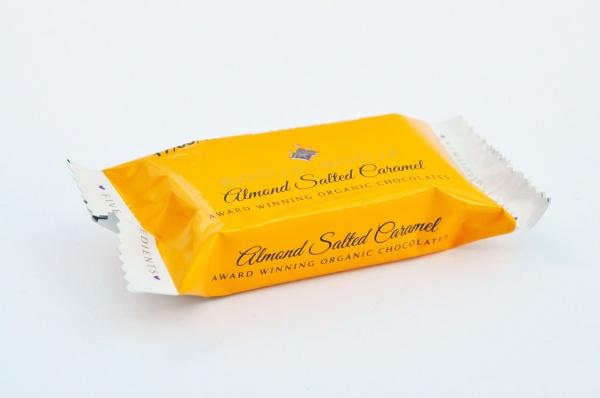 Almond Salted Caramel Trüffelpralinen - glutenfrei laktosefrei sojafrei vegan bio