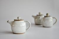 Teekanne 230ml cremeweiß glasiert von Martin Koller