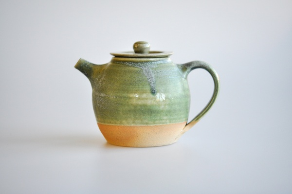 Teekanne 310ml moosgrün von Martin Koller