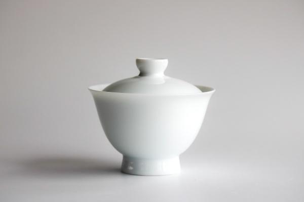 Gaiwan Tulpenform 220ml aus weißem Porzellan