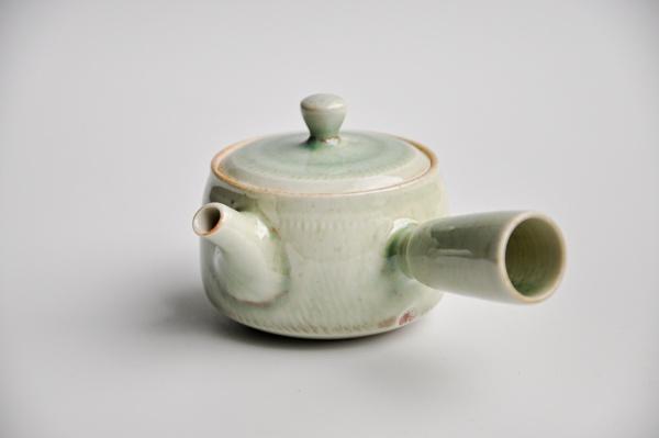 Porzellan Teekanne 180ml mit Seitengriff von Ales Dancak
