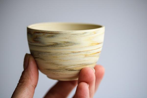 Cup 120ml cremefarben marmoriert Nerikomi Tokoname Teeschale Kenji