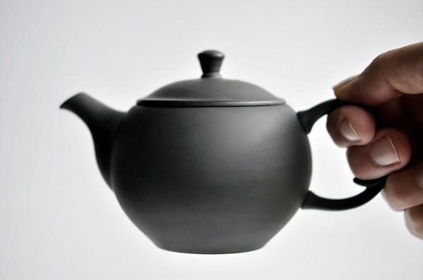 Schwarze Teekanne 230ml aus Tokoname