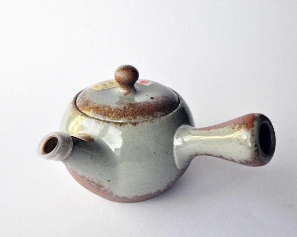 Teekanne Kyusu Grau-Braun, Große Kugelform 415ml