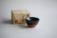Guinomi/Schale 95ml Kuro-Karatsu von Mike Martino