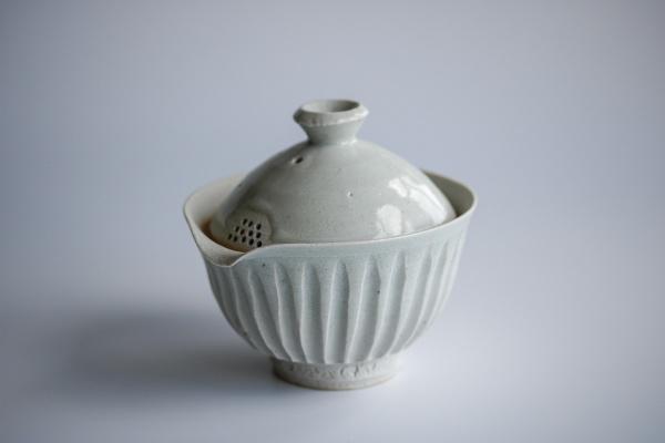 Shiboridashi 190ml Porzellan seladon Shinogi von Mike Martino