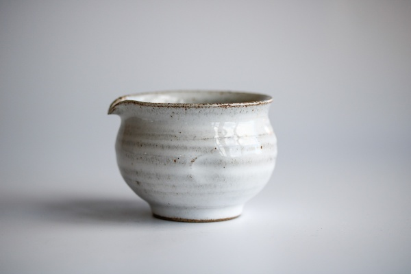 Ausschankkanne grau/weiß/türkis 130ml von Michiko Shida, Abkühlgefäß, Pitcher, Cha Hai